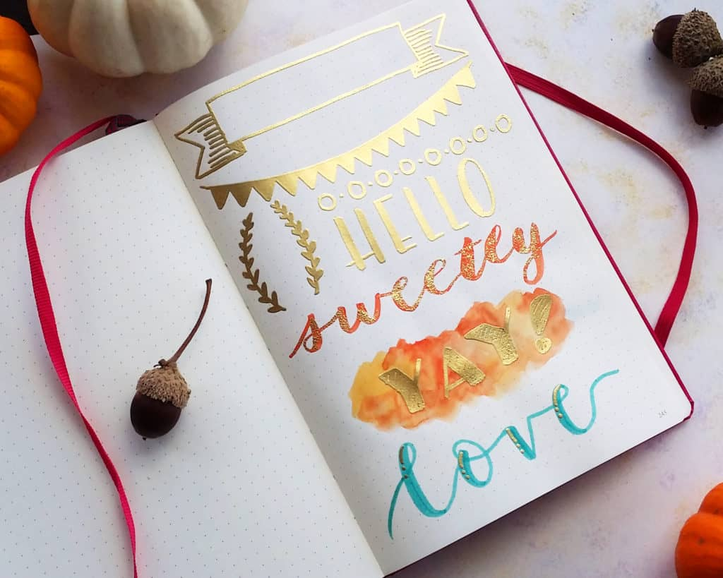 If you want to give a present to a stationary addict, where do you start? There are thousands and thousands of pen brands, types, tips, colors... How on earth are you supposed to know what to get? I got you covered! I've written up this huge hand lettering gift guide to help you find some of the best choices in the calligraphy game! All the gifts in this guide are a surefire way to make your loved one feel that fire of creativity from the moment they unwrap it!