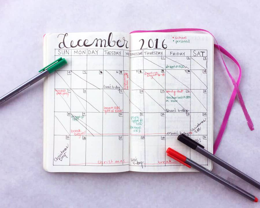 A monthly bullet journal spread for December 2016, using black, green, and red markers.